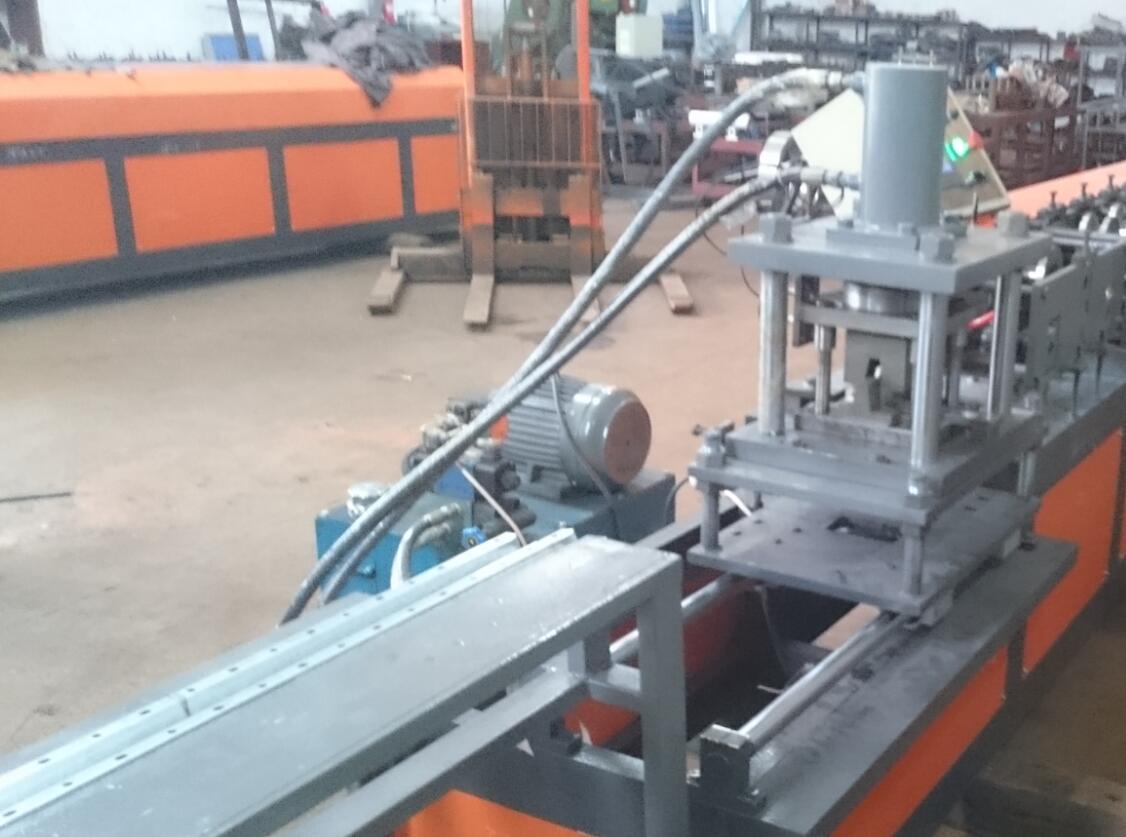 轻钢龙骨设备本地化生产型材