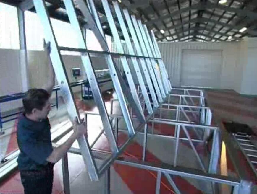 轻钢龙骨结构住宅组装