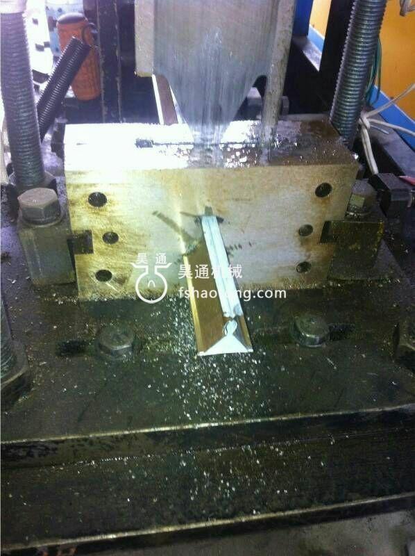 三角轻钢龙骨机设备切刀模具