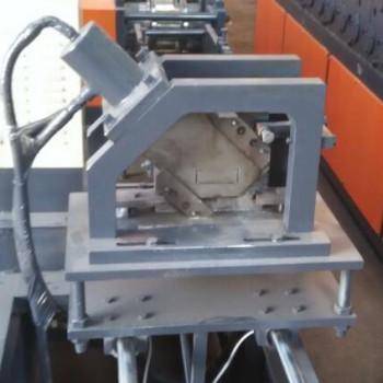 剪切式切断模具在龙骨设备上应用的优点与缺点