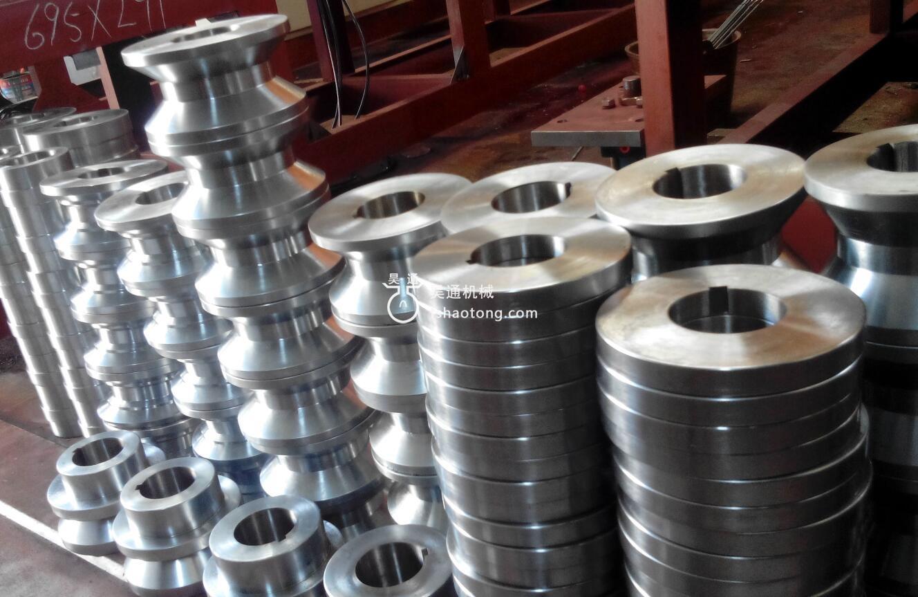 昊通轻钢龙骨设备上采用的轧辊材料